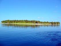 Eine maldives-Insel Lizenzfreie Stockfotos