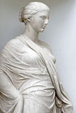 Eine Marmorstatue einer Frau Stockfotos