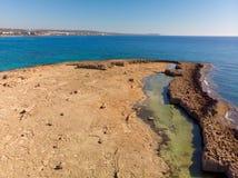 Eine Mittelmeerküste von einem Zypern, Fragment lizenzfreies stockfoto