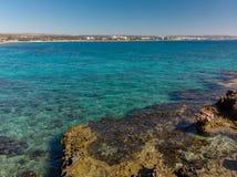 Eine Mittelmeerküste von einem Zypern, Fragment stockbilder