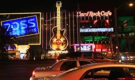 Eine Nacht geschossen vom Hard Rock Cafe Lizenzfreie Stockfotografie