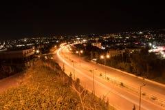 Eine Nachtaufnahme in der Landstraße von Iraklio Stockbilder