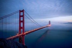 Eine Nachtzeit geschossen von Golden gate bridge stockfoto