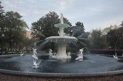 Eine Nahaufnahme des Forsyth-Park-Brunnens in der Tageszeit Lizenzfreies Stockfoto