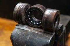 Eine Nahaufnahme eines Ersatzteils des Metallautos lizenzfreie stockbilder