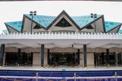 Eine neue Moschee in der Hauptstadt von Malaysia stockbild