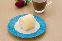 Eine neue Vanillekuchenrolle Lizenzfreies Stockfoto
