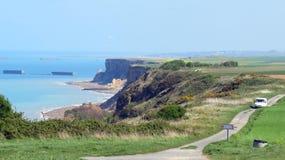 Eine Normandie-Küstenlinie mit Maulbeerhäfen Stockfotografie