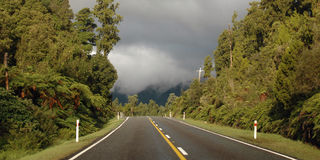 Neuseeland-Straße lizenzfreie stockbilder