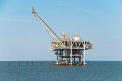 Eine Offshoreölplattformplattform lizenzfreie stockfotos
