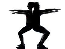 Eine Paarmannfrau, die Trainingseignung ausübt Stockfoto