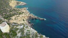 Eine Panoramasicht des Westkaps von Ibiza-Insel während des Sonnenuntergangs Die Balearischen Inseln im Mittelmeer stock video