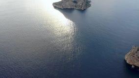 Eine Panoramasicht von Insel Isla de Es Vedra Ibiza und die Balear-Inseln stock footage