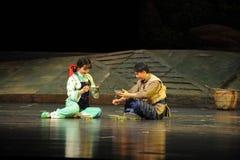 Eine Picknick Jiangxi-Oper haben eine Laufgewichtswaage Stockbild
