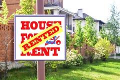 Eine Plakatwerbung der Verkauf von Immobilien Stockfoto