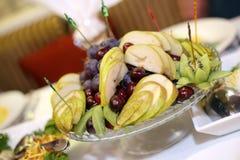 Eine Platte der Frucht Stockfotografie