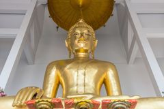 Eine prächtige Buddha-Statue innerhalb Wat Sakets, Bangkok Thailand lizenzfreie stockbilder