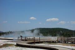 Eine Promenade in und um einen Kessel an Yellowstone-Park Lizenzfreie Stockfotografie