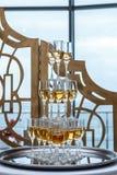 Eine Pyramide des Champagners Stockbild