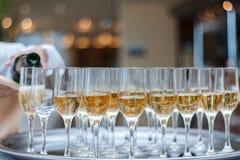 Eine Pyramide des Champagners Lizenzfreies Stockbild