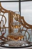 Eine Pyramide des Champagners Stockfotografie