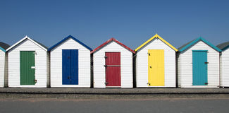 Strand-Hütten bei Paignton, Devon, Großbritannien. Lizenzfreies Stockbild