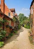 Eine Reihe der englischen Dorf-Häuser Stockfotografie