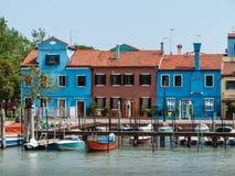 Eine Reihe von Häusern auf Burano, Venedig Lizenzfreie Stockbilder