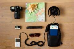 Eine Reisender ` s Ausrüstung Stockbild