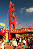 Eine Replik Golden gate bridges an Disneys Kalifornien-Abenteuer lizenzfreies stockbild