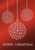 Eine rote Weihnachtskarte mit Schneeflocken Weihnachtsverzierungen lizenzfreie abbildung