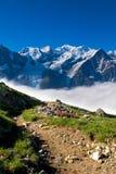 Eine schöne Ansicht der französischen Alpen lizenzfreie stockfotos
