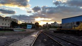 Eine schöne Ansicht in die Eisenbahnlinie Stockbild
