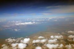 Eine schöne Ansicht von Erde vom Flugzeug Lizenzfreies Stockfoto