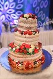 Eine schöne Hochzeitstorte Lizenzfreies Stockfoto