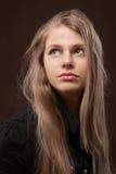 Eine schöne junge Frau lizenzfreies stockbild