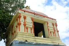 Eine schöne Tempelhalle im thiruvarur lizenzfreies stockbild