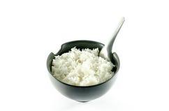 Eine Schüssel Reis über weißem Hintergrund Stockfoto