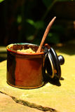 Eine Schale der köstlichen Kaffee- oder Zuckerschale Stockfotos