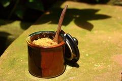 Eine Schale der köstlichen Kaffee- oder Zuckerschale Stockbilder