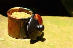 Eine Schale köstlicher Kaffee- oder Schalenzucker Lizenzfreies Stockbild