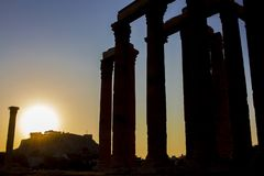 Eine Schattenbildansicht des Tempels von Zeus, in Athen, Griechenland stockbild