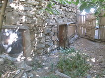 Eine Scheune vom östlichen anatolischen Dorf stockfoto