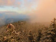 Eine schöne Winteransicht am Berg Parnitha Stockfotos