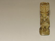 Eine Schneiderkreiden-afrikanische Königin-Schachfigur Stockbild