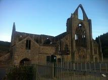 eine sehr alte Waliser-Kirche Stockfotos