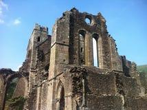 eine sehr alte Waliser-Kirche Stockbilder