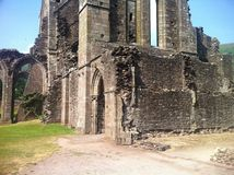 eine sehr alte Waliser-Kirche Lizenzfreies Stockbild