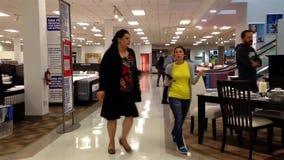 Eine Seite Sears-Speicher inneres Coquitlam-Einkaufszentrum stock footage