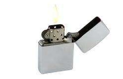 Eine silberne Feuerzeugflamme lokalisiert auf weißem Hintergrund Lizenzfreie Stockfotografie